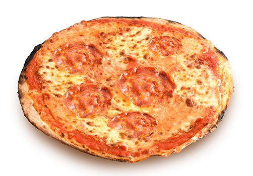 Pizza rossa con salame piccante
